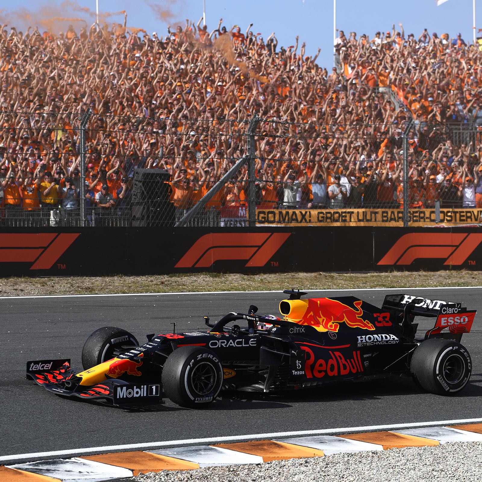Verstappen nhận sự cổ vũ cuồng nhiệt từ khán giả Hà Lan tại Zandvoort. Ảnh: Twitter / Max Verstappen