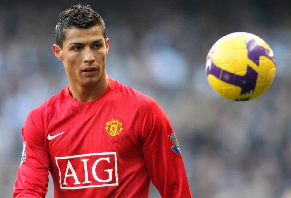 Ronaldo từng đá như một tiền đạo lệch từ giai đoạn cuối ở Man Utd. Ảnh: Actions Image