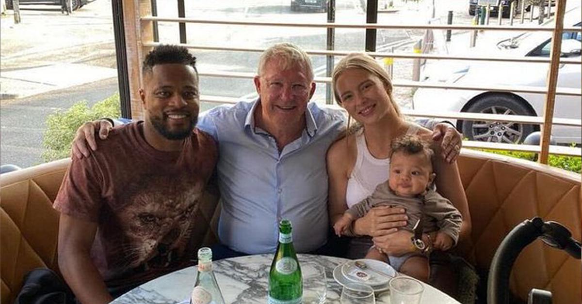 ครอบครัว Evra รับประทานอาหารกลางวันกับอดีตผู้จัดการทีม Alex Ferguson ในแมนเชสเตอร์เมื่อวันที่ 6 กันยายน  ภาพถ่าย: Instagram