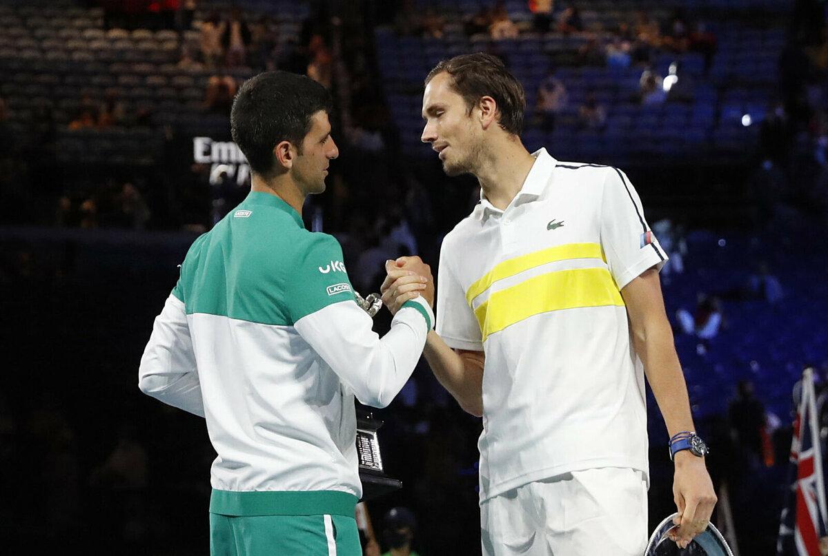 Medvedev thua Djokovic 0-3 ở chung kết Australia Mở rộng 2021. Ảnh: ATP