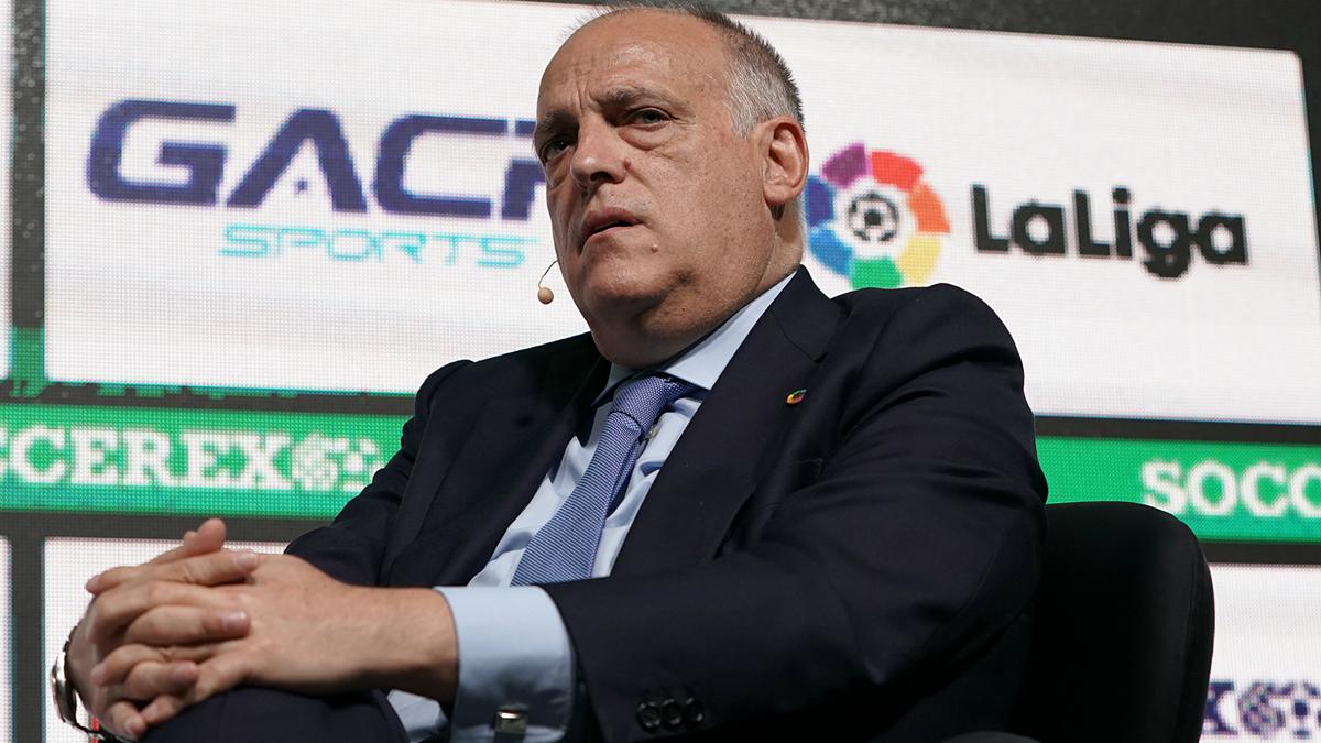 """กล่าวกันว่า Tebas ต้องการจำกัดอิทธิพลของ Real และ Barca ในลาลีกาและคัดค้านโครงการ Super League อย่างดุเดือด  ภาพถ่าย: """"La Liga"""""""