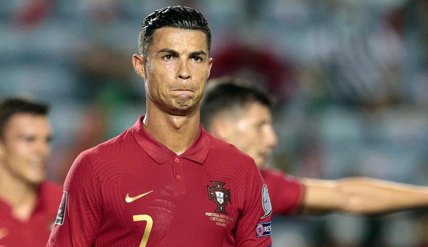 Ronaldo thu hút hơn nửa tỷ người theo dõi trên các mạng xã hội. Ảnh: EPA.