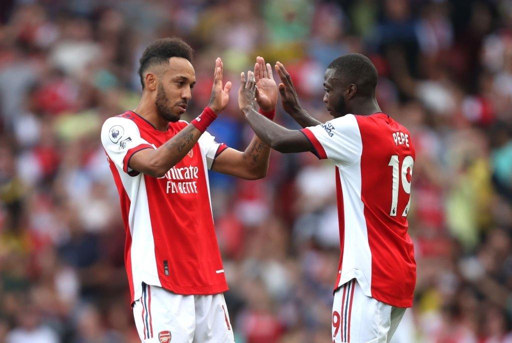 Phối hợp tạo nên bàn thắng duy nhất của trận đấu nhưng Pepe và Aubameyang cũng bỏ lỡ nhiều cơ hội trận này. Ảnh: Sky