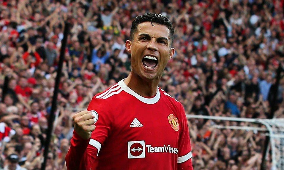 Ronaldo mừng bàn nâng tỷ số lên 2-1 trên sân Old Trafford tối 11/9. Ảnh: Twitter / Man Utd