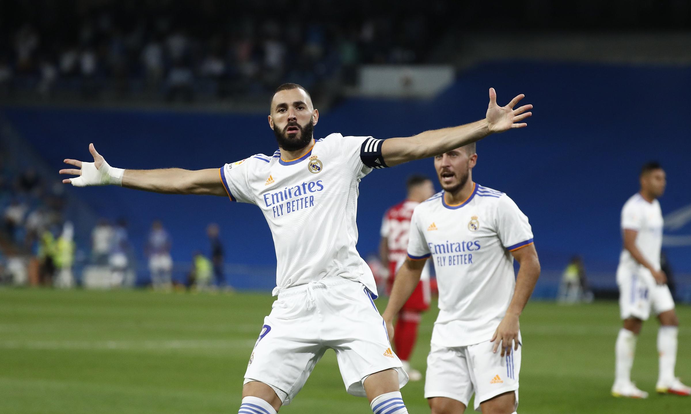 Benzema mừng bàn ấn định thắng lợi 5-2 cho Real. Ảnh: Twitter / Real Madrid