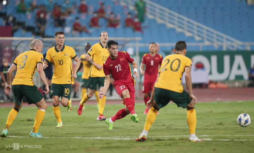 Đội khách Australia chê sân Mỹ Đình xấu sau trận thắng 1-0 ngày 7/9. Ảnh: Lâm Thoả
