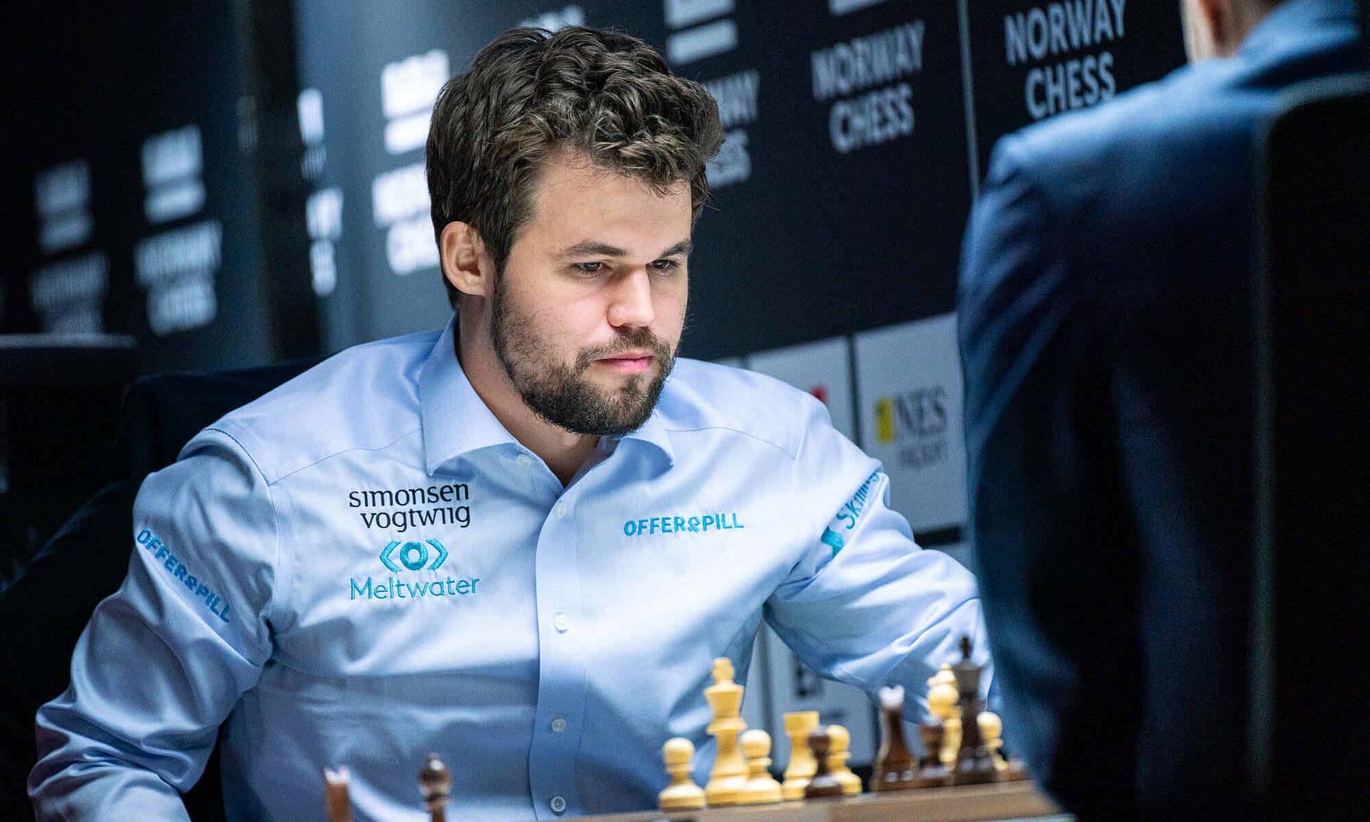 Carlsen trong ván thắng Karjakin tối 16/9. Ảnh: Norway Chess/Lennart Ootes