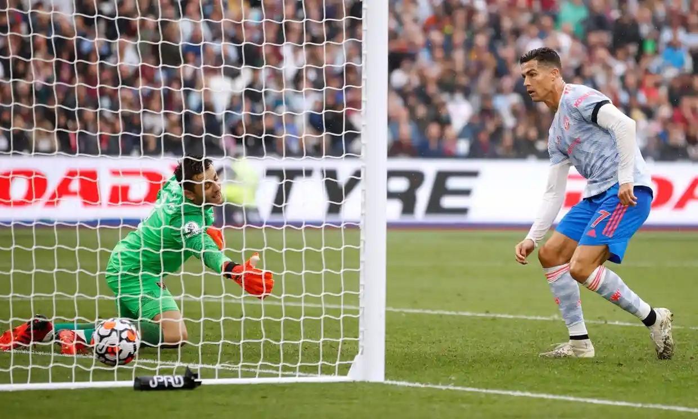 Ronaldo ghi bàn thứ tư sau ba trận cho Man Utd. Ảnh: Reuters.
