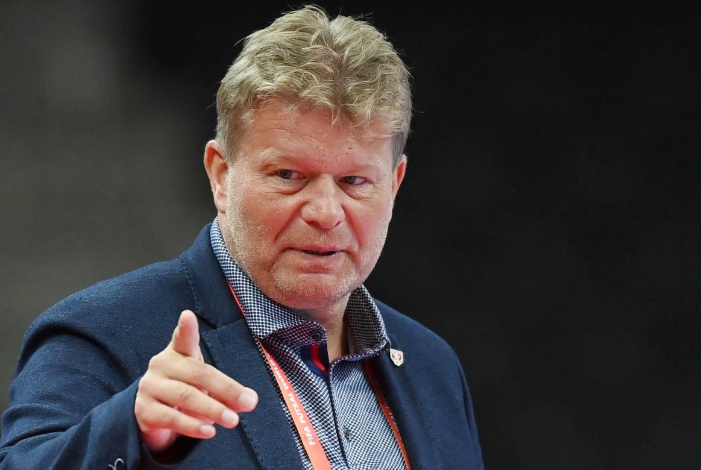 Ông Tomas Neumann không hài lòng với màn trình diễn của các cầu thủ CH Szech trước Việt Nam. Ảnh: FIFA