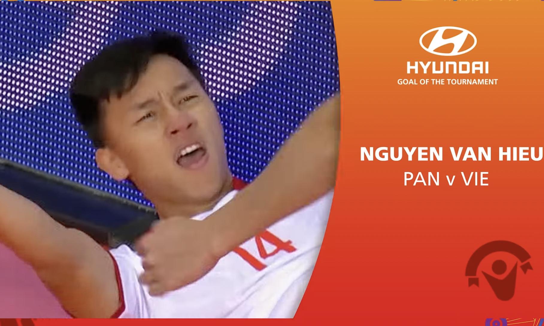 Văn Hiếu mừng bàn quyết định giúp Việt Nam thắng Panama 3-2. Ảnh: chụp màn hình
