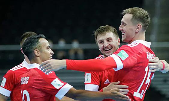 Các thành viên tổ 1 của đội tuyển futsal Nga mừng bàn thắng tại futsal World Cup 2021. Ảnh: RFU