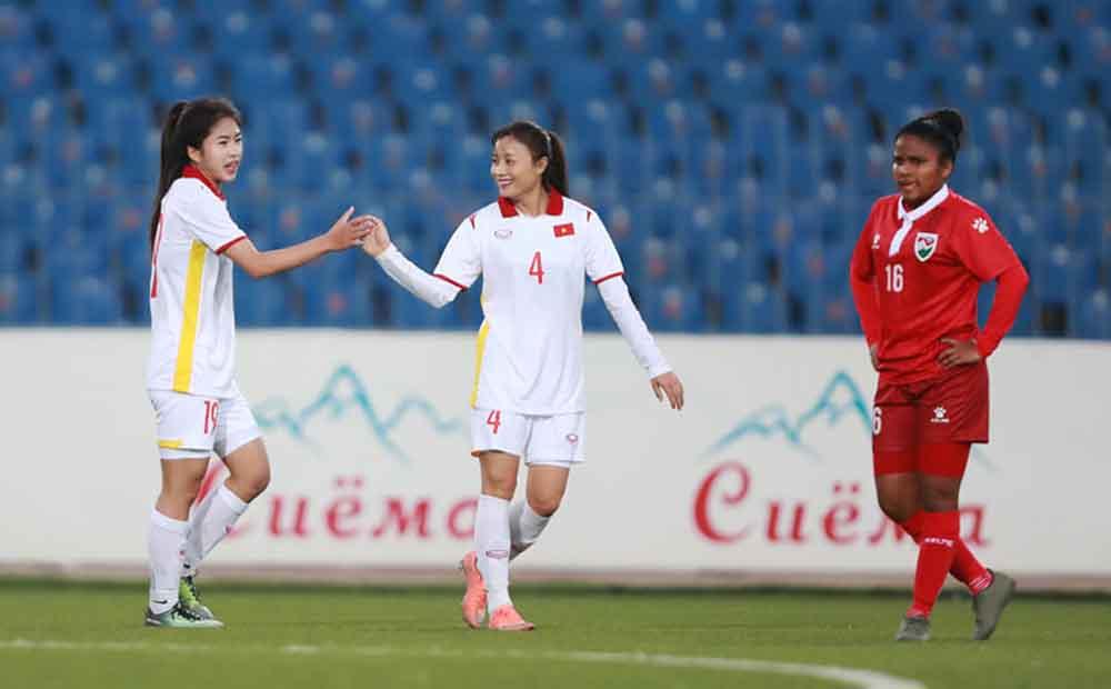 Tuyển Việt Nam dội cơn mưa bàn thắng vào lưới Maldives ngày 23/9.