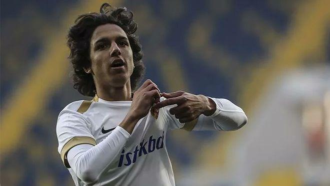 Emre được đánh giá là viên ngọc thô của bóng đá Thổ Nhĩ Kỳ. Ảnh: Kayserispor.