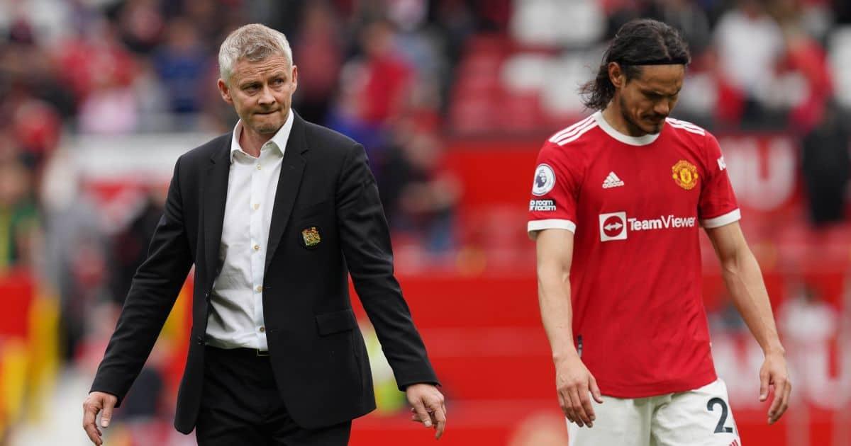 Solskjaer thất vọng khi rảo bước khỏi sân sau trận Man Utd thua Aston Villa 0-1 tại Old Trafford hôm 25/9. Ảnh: PA