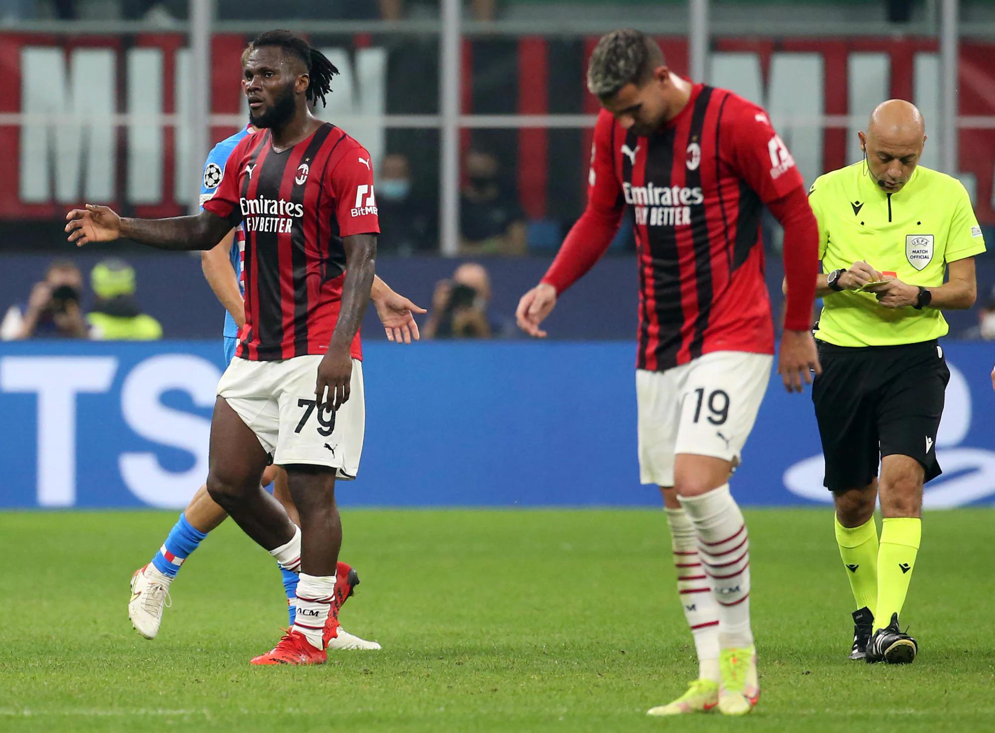Thẻ đỏ của Kessie (số 79) khiến Milan gặp bất lợi. Ảnh: ANSA