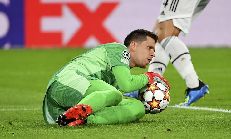 Szczesny cho rằng Juventus hoàn toàn thoải mái khi phòng ngự trước Chelsea. Ảnh: ABACA.