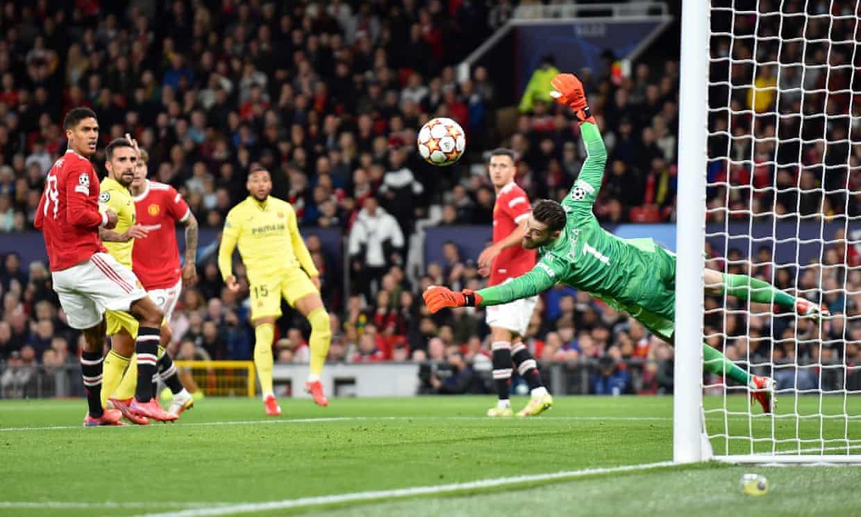 De Gea nhiều lần cứu thua cho Man Utd. Ảnh: EPA