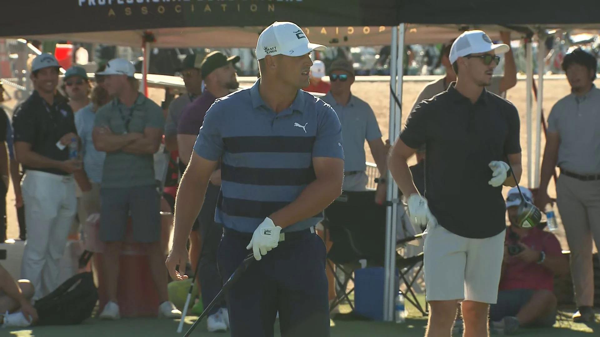 DeChambeau dõi theo một cú phát ở vòng tứ kết hôm 1/10. Ảnh: Golf Channel