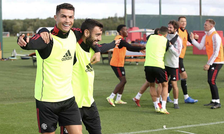 Ronaldo và Fernandes sẽ luân phiên đá luân lưu theo chỉ định của HLV Solskjaer mỗi trận. Ảnh: manutd.com