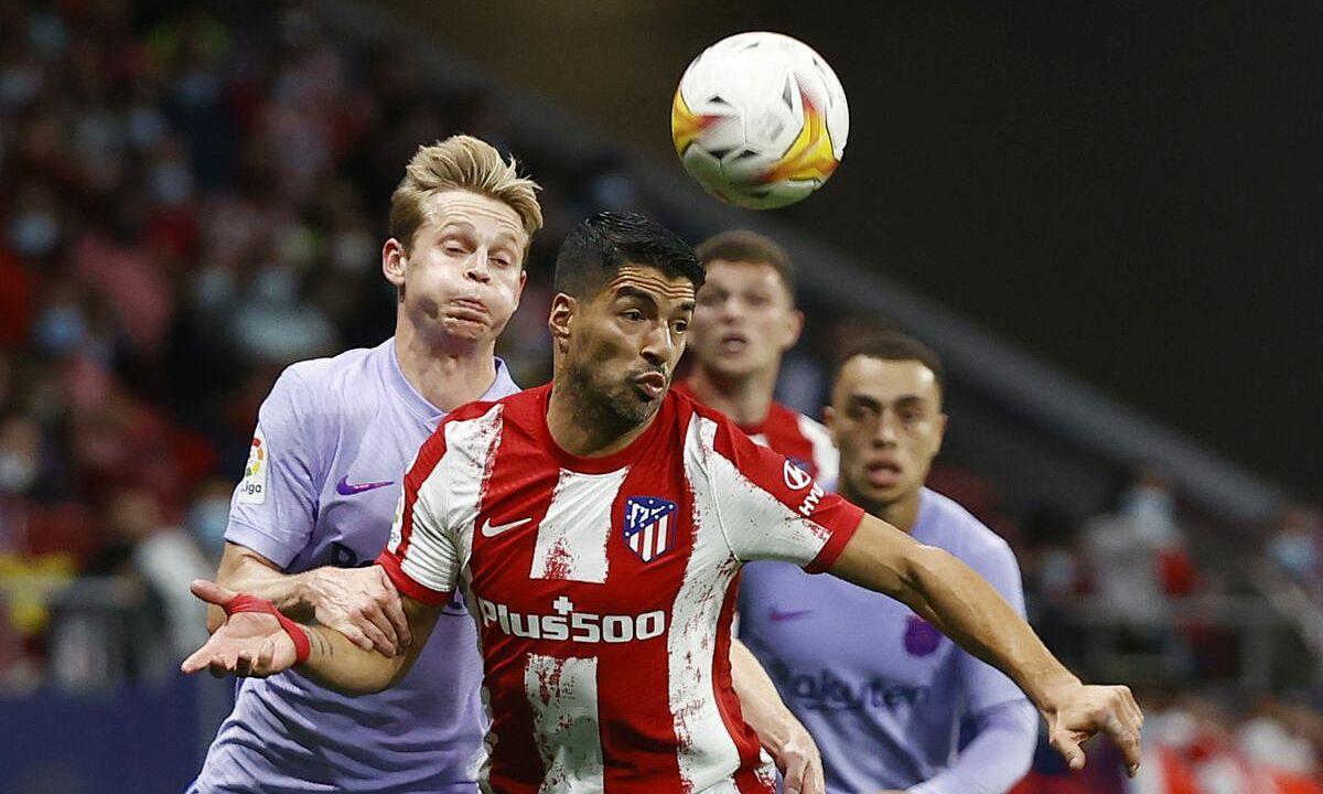 Suarez làm khổ Barca trong ngày tái ngộ. Ảnh: Reuters