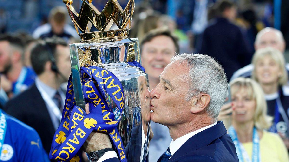 Vô địch Ngoại hạng Anh cùng Leicester City mùa 2015-2016 là chiến công hiển hách nhất sự nghiệp cầm quân của Ranieri. Ảnh: Reuters
