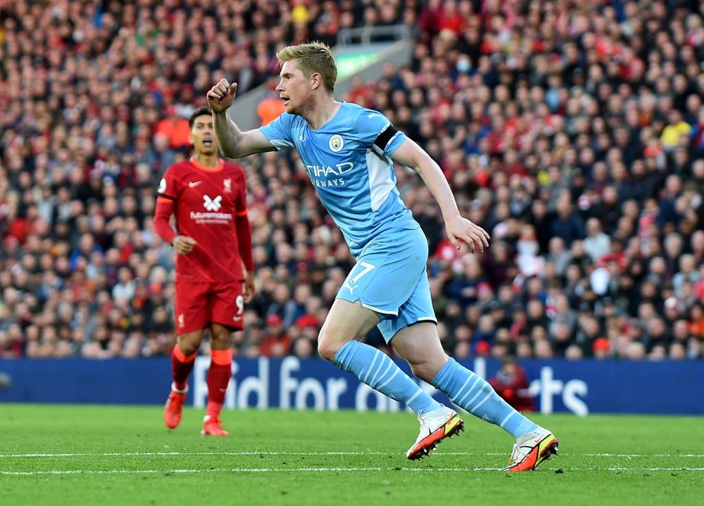 De Bruyne gỡ 2-2 cho Man City bằng pha sút xa ở phút 81. Ảnh: Reuters.