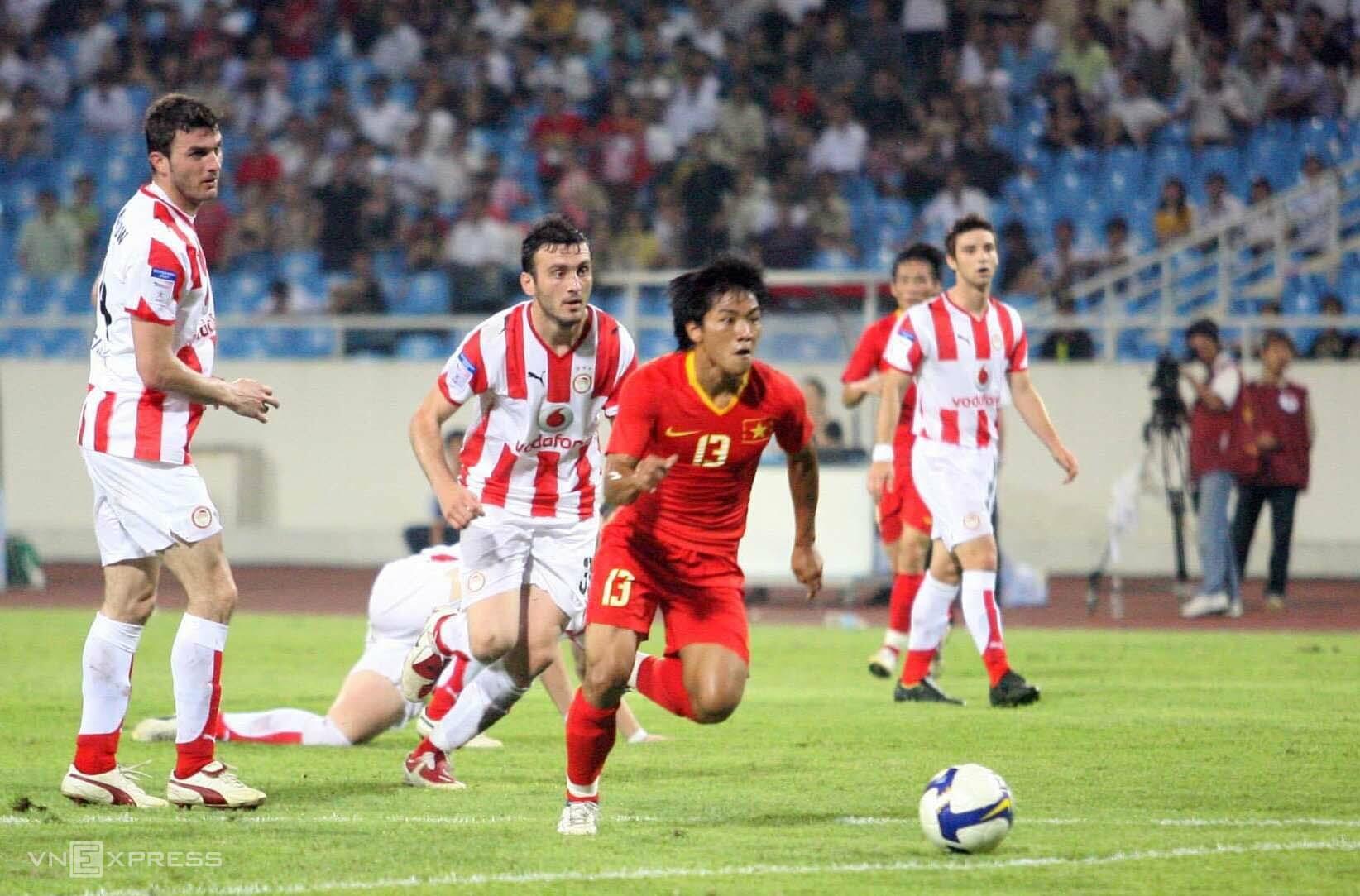 Nguyễn Quang Hải có tám năm khoác áo tuyển Việt Nam, từng vô địch AFF Cup 2008. Ảnh: Đức Đồng