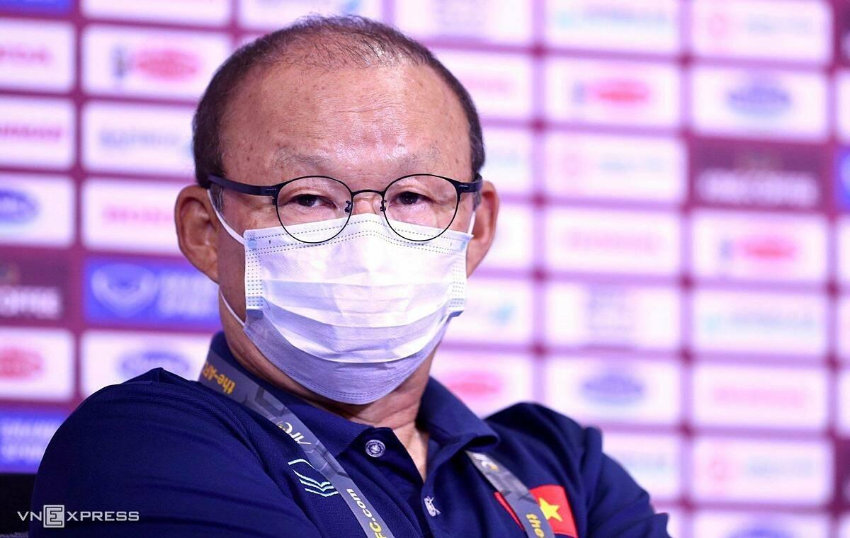 HLV Park cho rằng báo chí Trung Quốc đã bịa lời, cho rằng ông xúc phạm đội bóng này. Ảnh: Lâm Thoả
