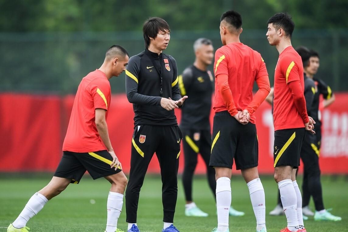 Trung Quốc đang rất tự tin khi chỉ phải gặp Việt Nam, dưới 20 bậc FIFA. Ảnh: Sohu