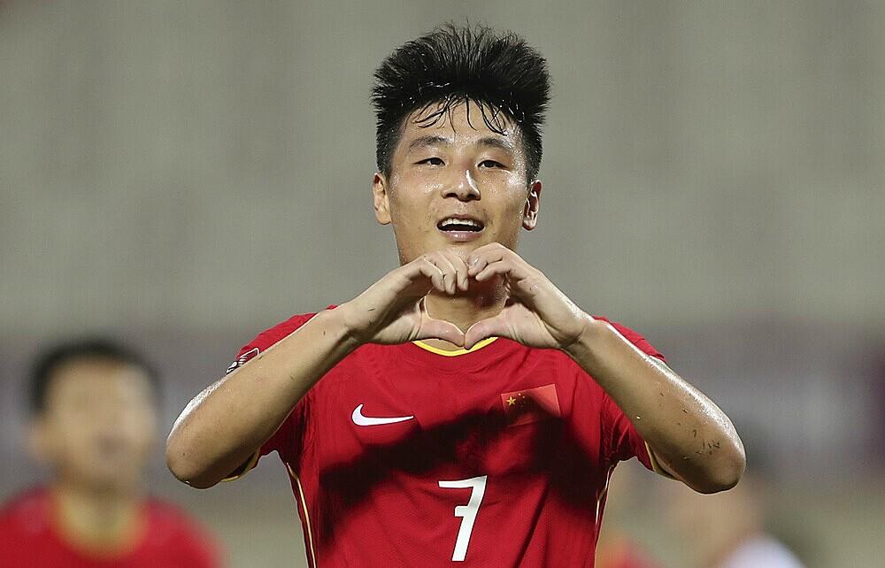 Wu Lei in dấu giày trong cả ba bàn thắng vào lưới Việt Nam.