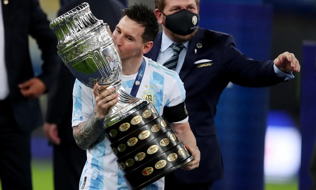 Messi sáng cửa giành Quả Bóng Vàng sau khi vô địch Copa America cùng Argentina. Ảnh: AFP.