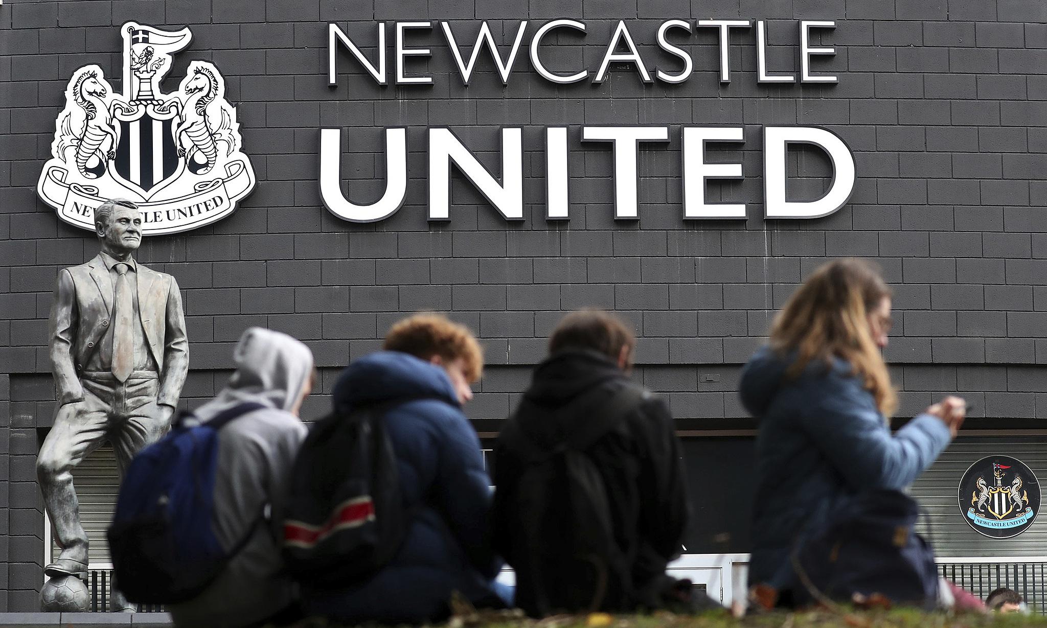 Việc Saudi Arabia mua lại Newcastle sẽ ảnh hướng đến sự áp đảo của top 6 Ngoại hạng Anh, ít nhất là về doanh thu trong những năm tới. Ảnh: AP