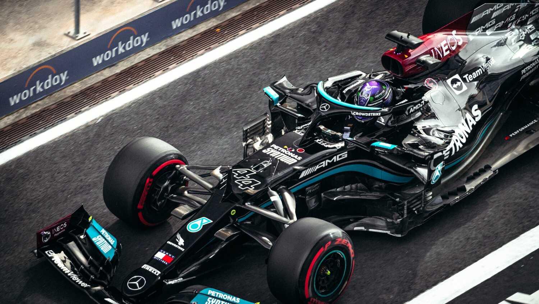Chiếc xe của Hamilton. Ảnh: AFP