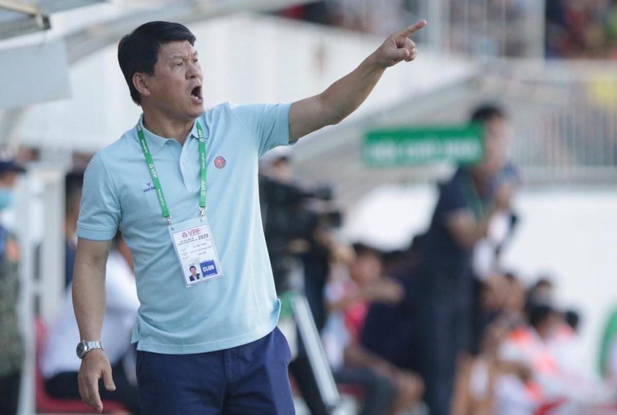Ông Vũ Tiến Thành từng làm trợ lý cho HLV Alfred Riedl ở đội U23 và đội tuyển quốc gia Việt Nam. Ảnh: Đức Đồng