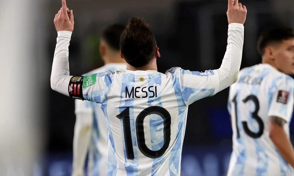 Messi vượt Pele để trở thành cầu thủ Nam Mỹ ghi bàn nhiều nhất cho đội tuyển quốc gia. Ảnh: Ole.