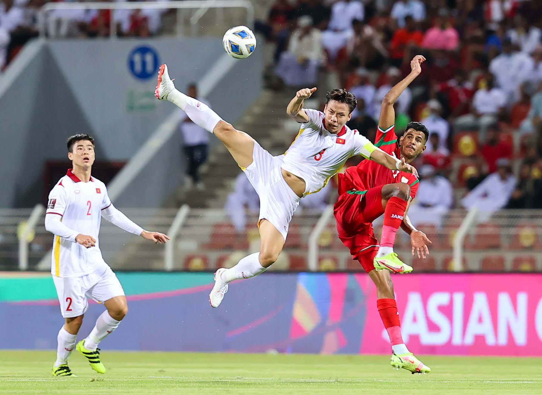 Tuyển Việt Nam dẫn trước nhưng để Oman ngược dòng thắng 3-1 trong trận đấu ngày 12/10.